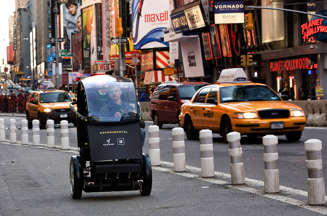 Un prototype de véhicule électrique 2 places à 2 roues : le projet P.U.M.A. de Segway et General Motors
