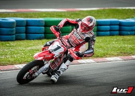Championnat de France de Supermotard, 2014: Adrien Chareyre remporte le bras de fer de Magny Cours