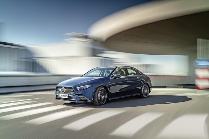 Mercedes dévoile l'A35 AMG berline
