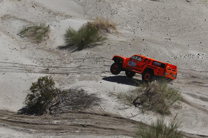 Dakar 2012 - Etape 5 : Holowczyc revient sur Peterhansel, Gordon résiste