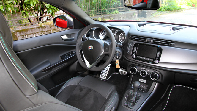 alfa romeo mito avis best images collections hd for gadget windows mac android. Black Bedroom Furniture Sets. Home Design Ideas
