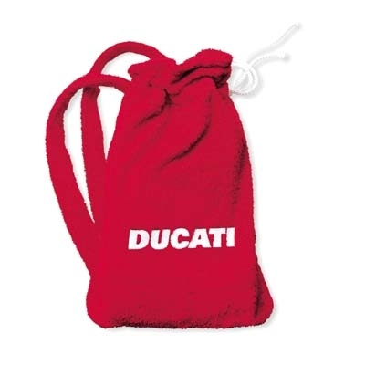 Sous la Ducati, la plage