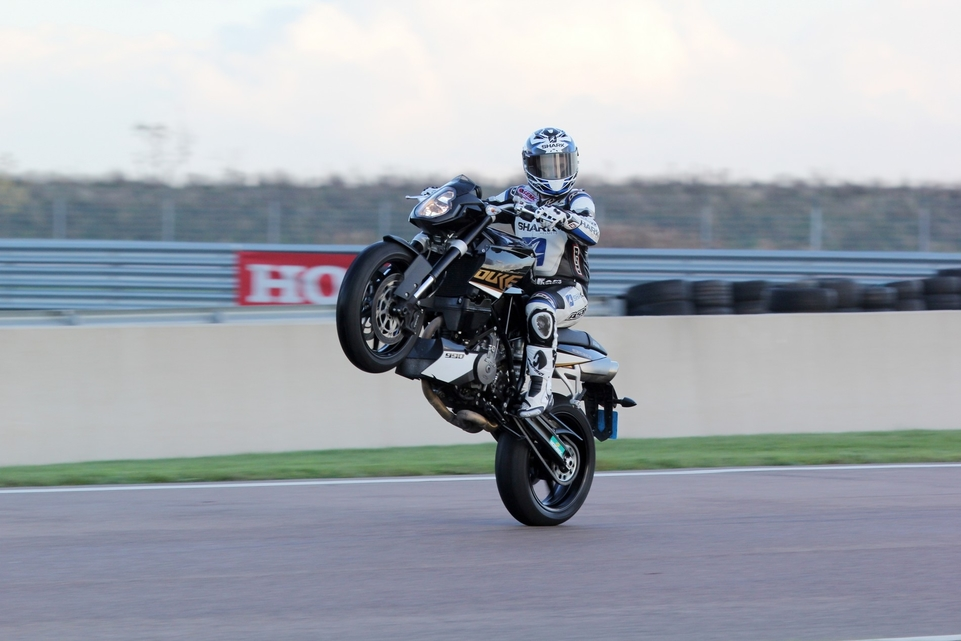 Les essais d'Arnaud Vincent spécial KTM : épisode 1, la 990 Super Duke