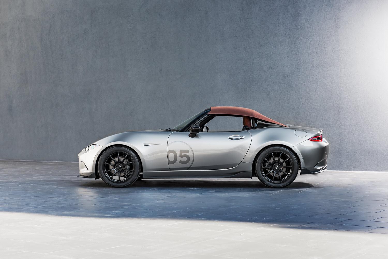 [Image: S0-Mazda-devoile-deux-concepts-de-MX5-po...365724.jpg]