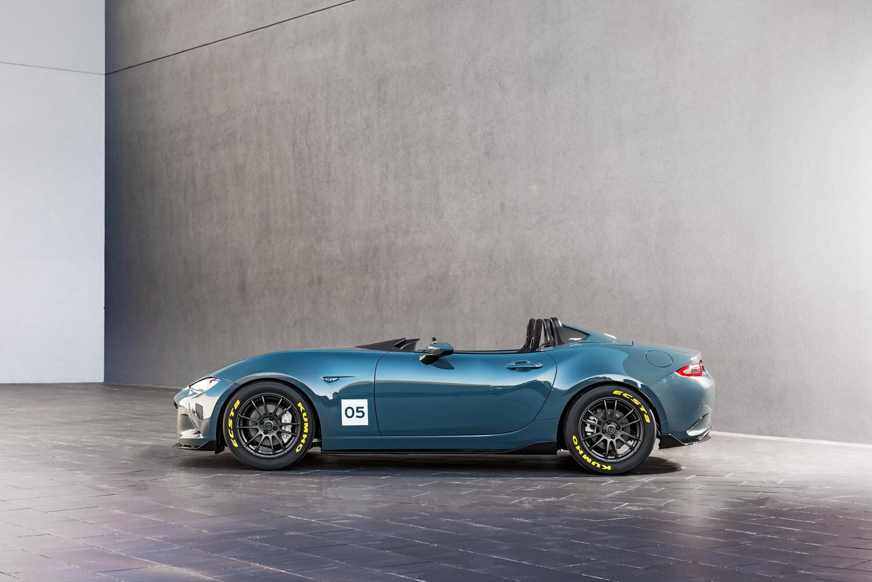 [Image: S0-Mazda-devoile-deux-concepts-de-MX5-po...365725.jpg]