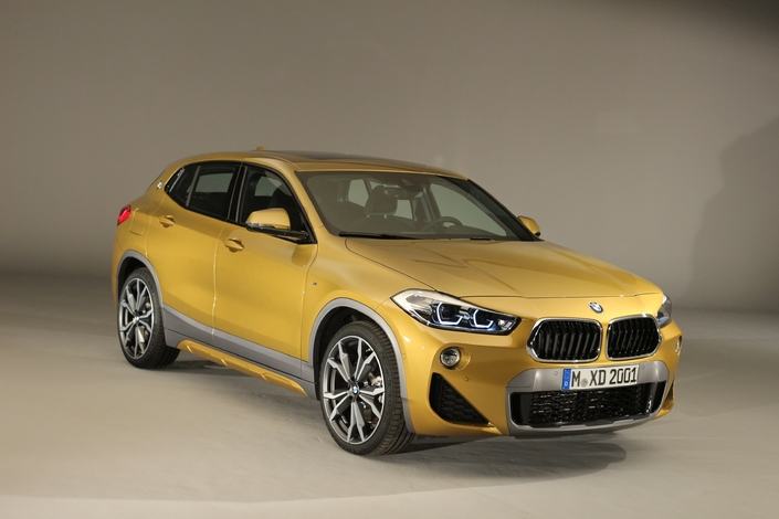 pr sentation vid o le bmw x2 en d tail. Black Bedroom Furniture Sets. Home Design Ideas