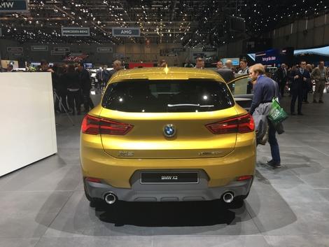 L'arrière est plus classique et proche du X1