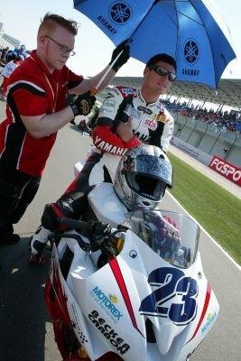 Supersport Brands Hatch: Parkes s'invite pour le titre