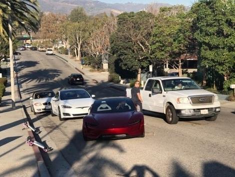 La nouvelle Tesla Roadster fait une sortie