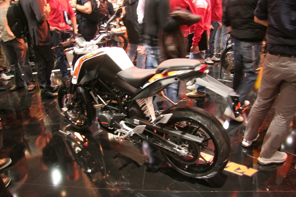 En direct de Milan : KTM Duke 125 et 200 cm3 reçoivent l'ABS