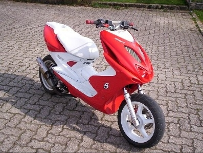 Scooter System : les 50cc ont leurs mondes aussi !