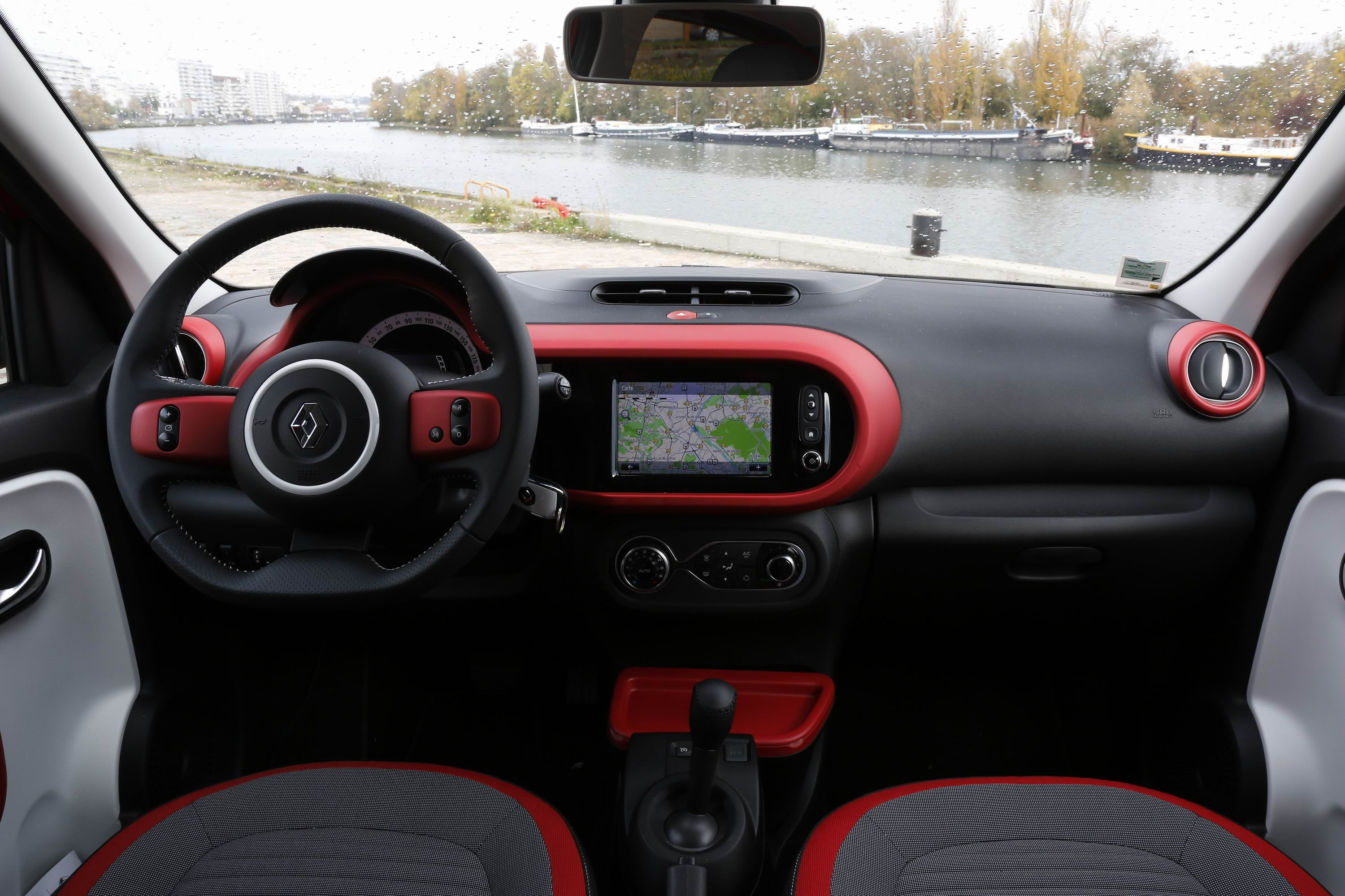 essai renault twingo gt edc jeu de dupes caradisiac autos post. Black Bedroom Furniture Sets. Home Design Ideas