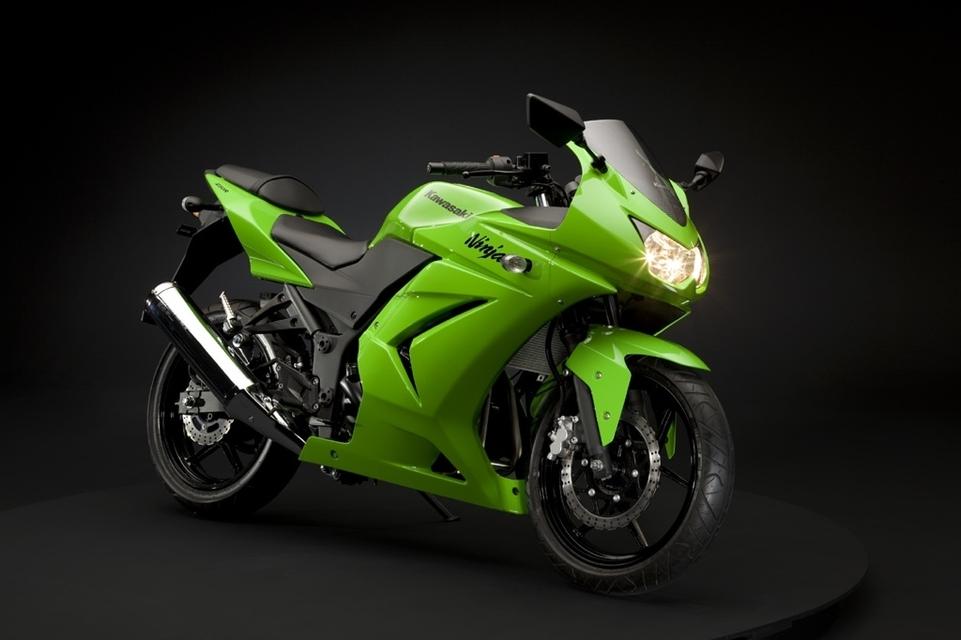 Les nouvelles couleurs pour les sportives Kawasaki en 2009