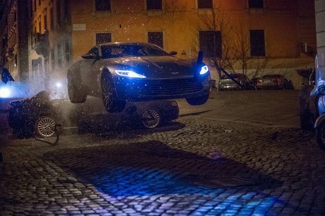 L'Aston Martin DB10 n'existera qu'au cinéma. Huit ont été utilisées sur le tournage de Spectre.