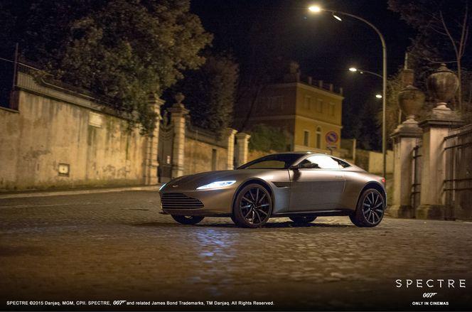 Spectre : Caradisiac dans l'Aston Martin DB10 de James Bond (vidéo)