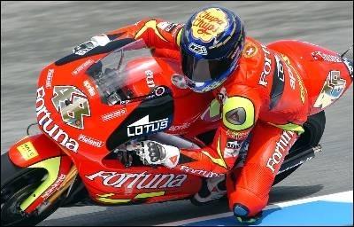 250 Brno: Lorenzo en place
