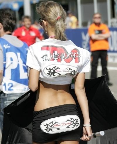 Les demoiselles du paddock : Gp de Brno
