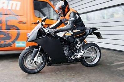 KTM : le RC8, sportive à l'orange.