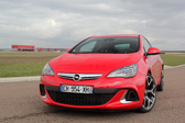 Les essais de Soheil Ayari : Opel Astra OPC