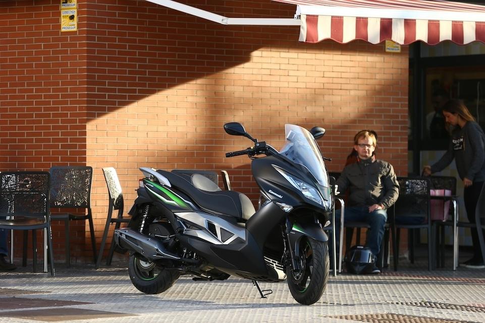 Essai Kawasaki J125 : partenariat avec Kymco