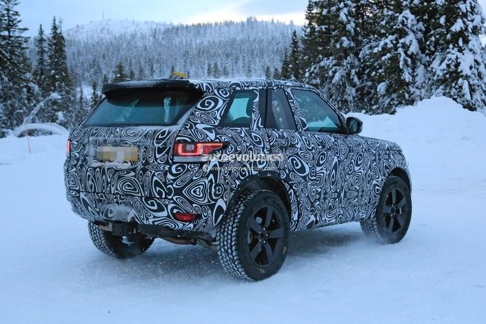 Le futur Land Rover Defender déguisé en Ranger Rover Sport