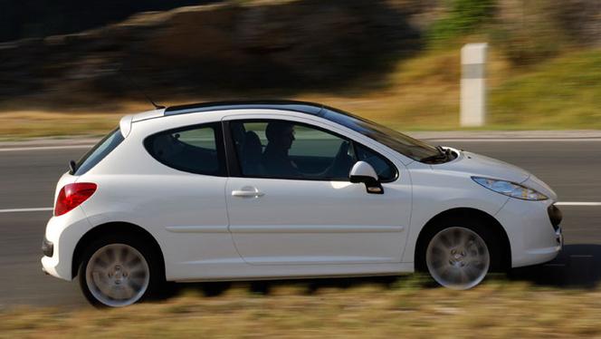 L'avis propriétaire du jour : vince_83110 nous parle de sa Peugeot 207 1.6 THP 150 Feline 3 portes