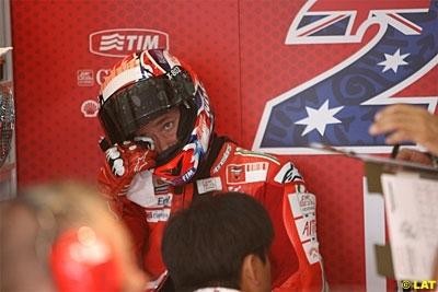 Moto GP - Valence: Stoner compte bien poursuivre sur sa lancée