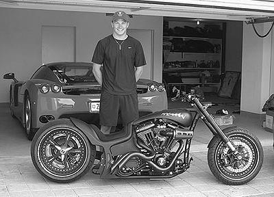 Kimi Raïkkonen: Iceman est aussi une moto