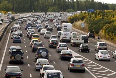Grève des routiers : nouvelle journée d'action aujourd'hui et résultats du sondage