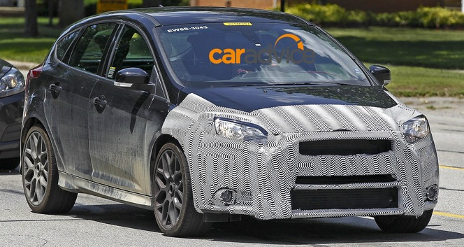 Surprise : la Ford Focus RS entame les tests routiers
