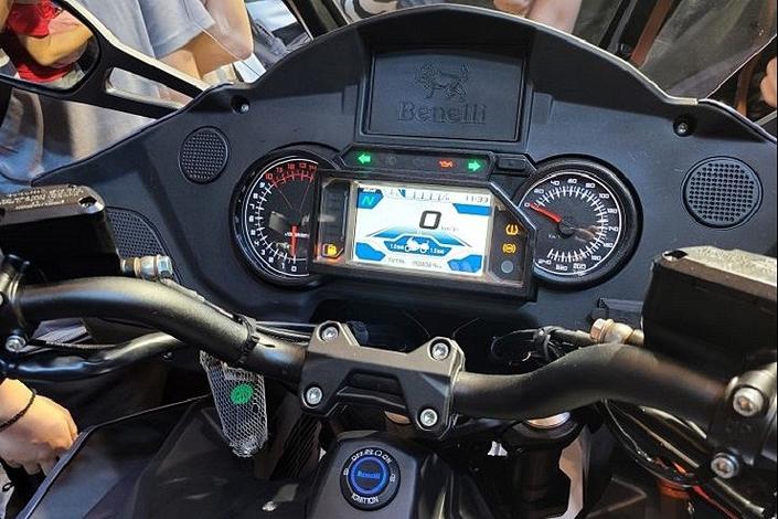 Benelli présente sa 1200 GT S1-benelli-presente-sa-1200-gt-643876