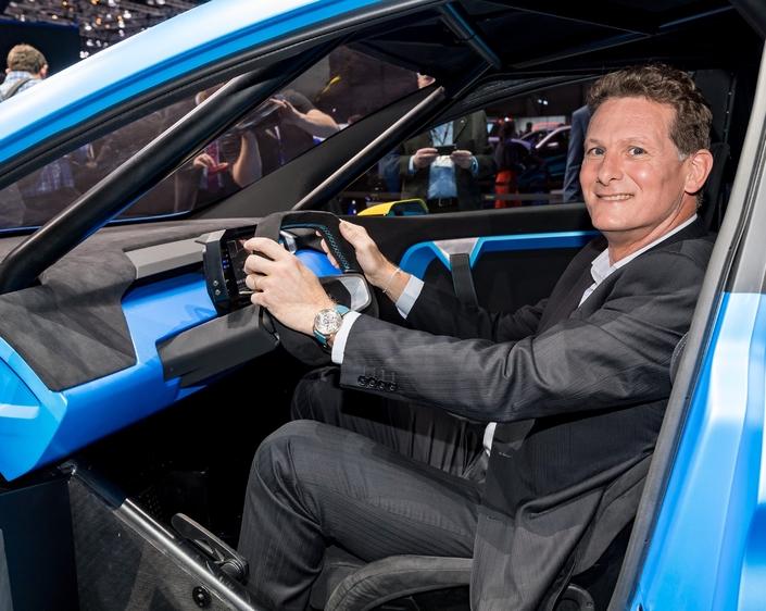 Gilles Normand, ici à bord de la Renault Zoe e-sport concept dévoilée au salon de Genève 2017.