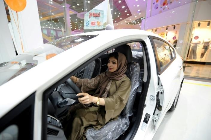 Arabie Saoudite : le premier salon auto réservé aux femmes