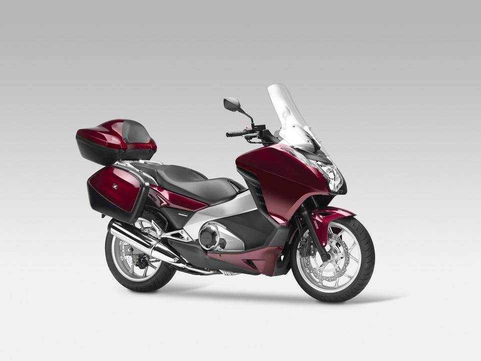 Honda : un nouveau moteur 700 cm3 pour un nouveau scooter