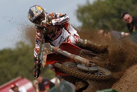 Motocross : GP de Lommel ; KTM MX 2, Herlings sur le podium avec Musquin