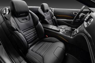 Surprise : le Mercedes SL restylé sort de l'ombre