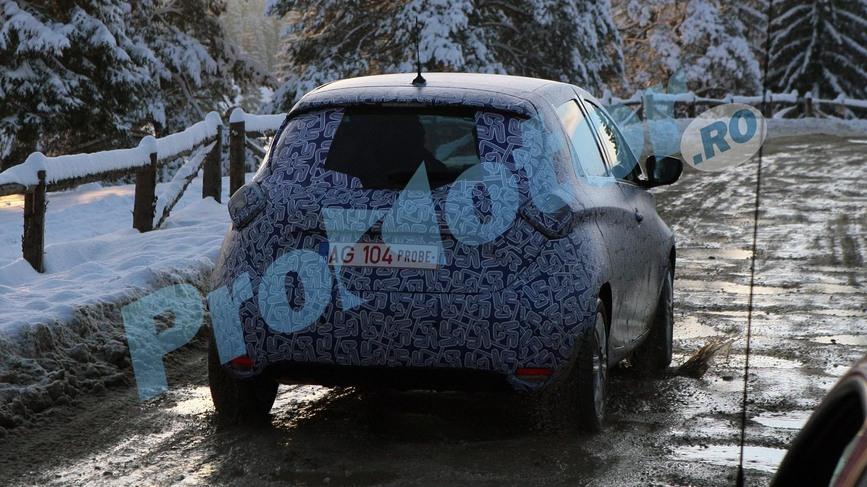 S0-Surprise-Renault-Zoe-se-promene-251494