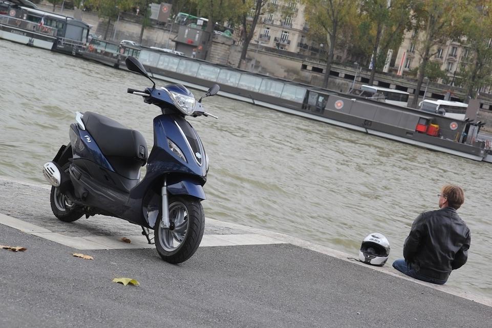 Essai Piaggio Fly 125 cm3 3V : toujours plus chic