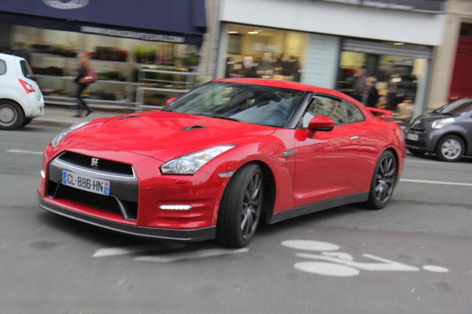 Nissan GT-R 2012 au quotidien : jour 2, Godzilla envahit la ville