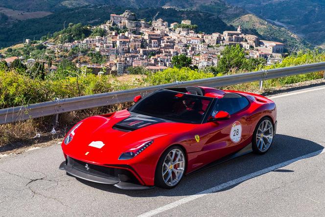 L'unique Ferrari F12 TRS se montre en vidéo