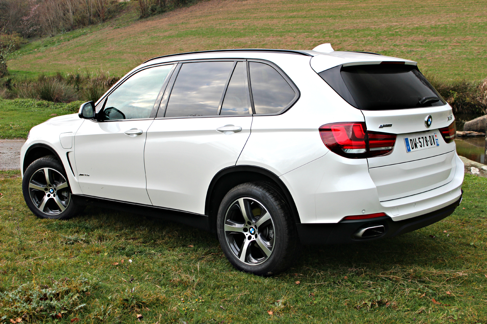 essai bmw x5 xdrive40e les 4x4 turbo essence ce n 39 est. Black Bedroom Furniture Sets. Home Design Ideas