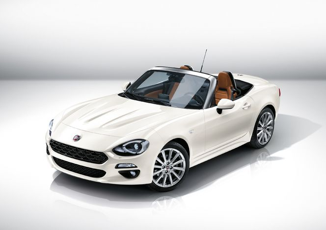 Fiat officialise la 124 Spider