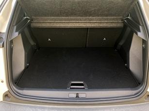 Avec 405 litres, l'espace du coffre est au milieu de la catégorie.