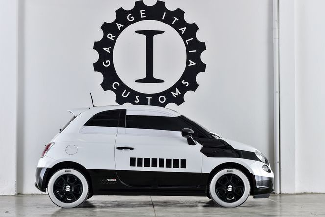 Salon de Los Angeles - Fiat 500e Stormtrooper : association d'icônes