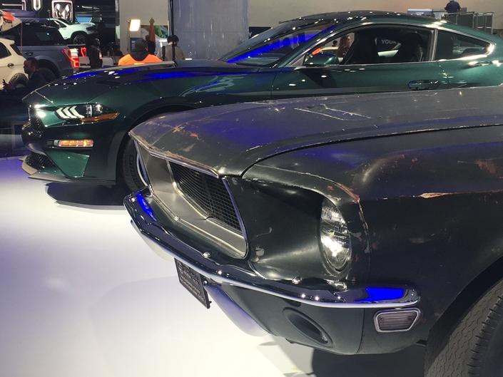 La version de 1967 de la Ford Mustang du film Bullitt et la petite nouvelle, produite pendant les deux prochaines années.