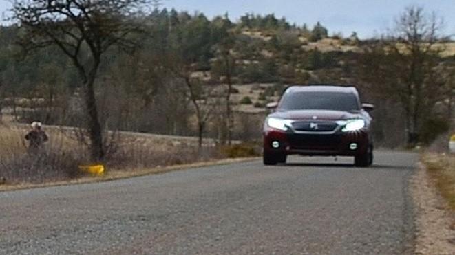 Surprise : première photo (floue) du SUV de la gamme Citroën DS