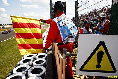 Formule 1 - Grande Bretagne D.2: La pluie s'en mêle