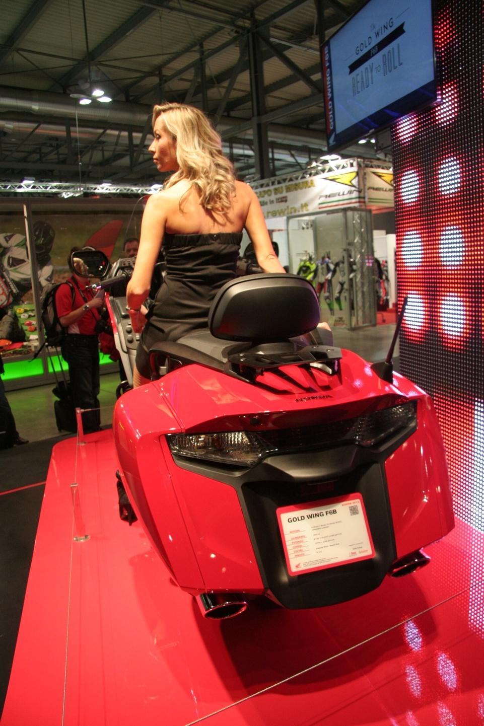 En direct du Salon de Milan - Honda: Bienvenue à la F6B avec la video !