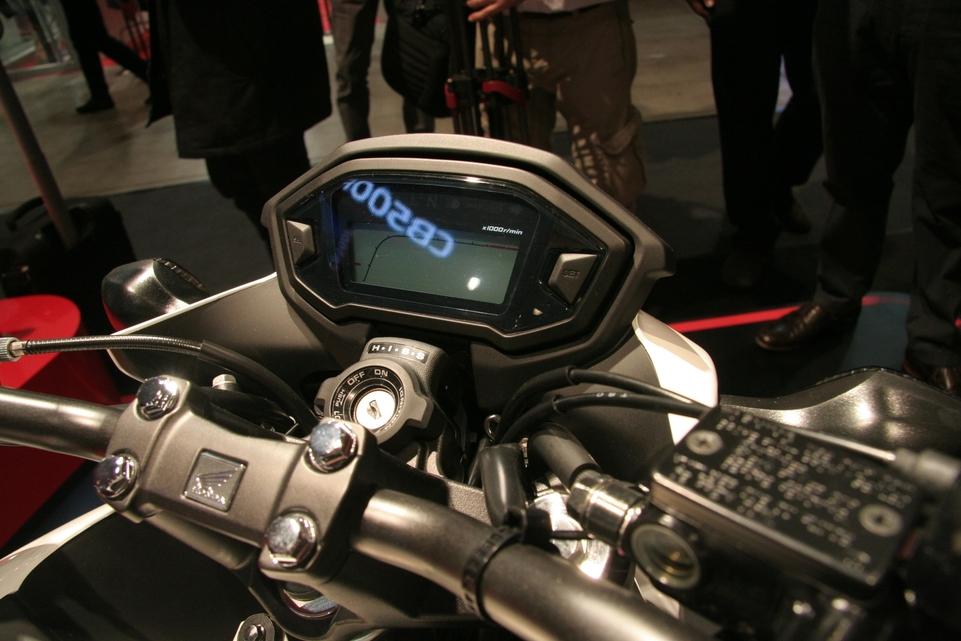En direct du Salon de Milan - Honda: La CB500F ou le demi qui mousse