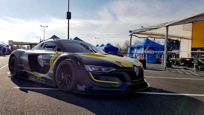 La Renault RS01 aimantait elle aussi les regards.